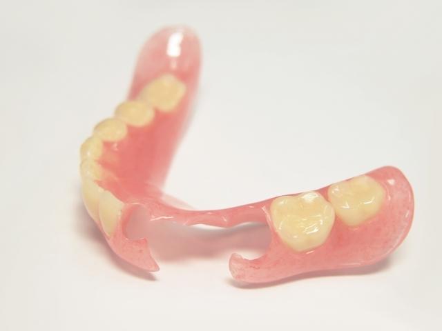 自費で作る入れ歯